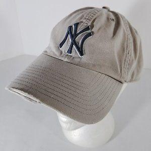MLB New York Yankees Factory Distressed Hat